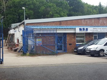 Semi-Detached Industrial/Warehouse Unit with Secure Yard