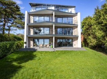 Apartment for sale in Poole