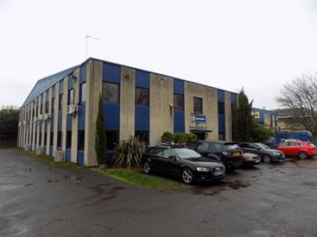 Offices to let in Hampton