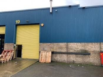 Industrial warehouse unit to rent: E10 7BT