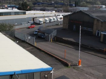 Industrial unit to let: DY9 8PA