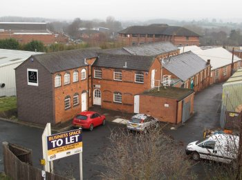 Industrial unit to let: B80 7AP
