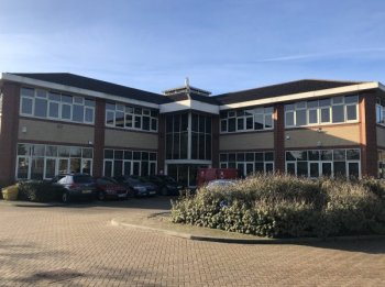 Offices to let in Waltham Cross