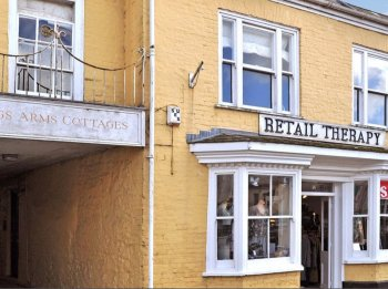 Retail premises to let in Honiton